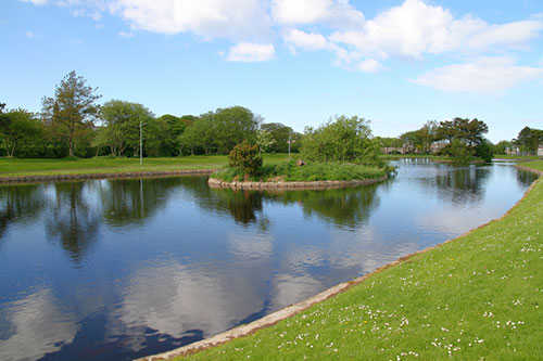 Cotswold Attractions - Lake