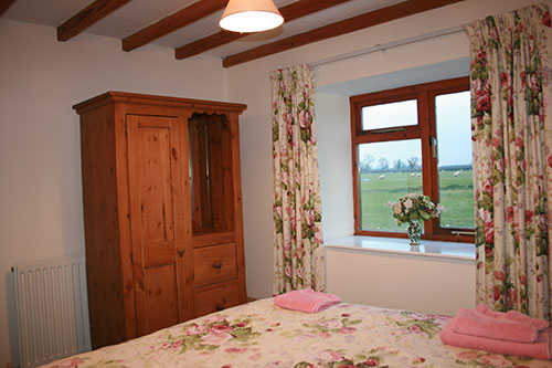 Thames Holiday Cottage